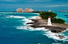 The Bahamas has a unique exotic beauty that enthrals travellers from around the world, drawn to the pristine beaches and established resorts. But there is also plenty of traditional charm and history contained within the 700 islands that make up the Bahamas.