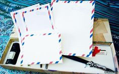 A FREE printable cute airmail stationery set! Use World Label for all your labels!