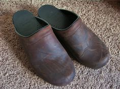 Vintage Dansko Brown Leather Clogs by StylishLight on Etsy, $45.00