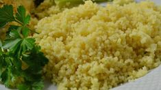 Liven up your couscous by adding ginger and garlic, then simmer it all in chicken broth to make this quick and easy dish. Pearl Couscous Recipes, Couscous Healthy, Israeli Couscous Salad, Vegetable Curry, Vegetable Salad, Healthy Recipe Videos, Healthy Recipes, Delicious Recipes