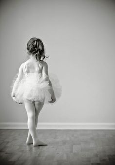 little ballerina www.theworlddances.com/ #littleballerinas #tutucute #dance