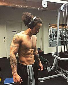 #dopepic #gym #gymlife #loveofmylife #feelinggood #abs #tattoos #fitnessaddict #fitnessjourney #fitnessmodel #fitness #fitnessfreak #fit #motivation #fitnessbody #hardwork #workhard #dedication #determination #striveforgreatness #noflex #nike #nodaysoff by polkfitness