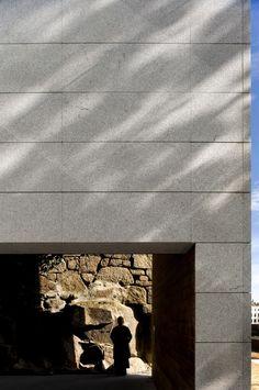 Museo Vila Velha / Belém Lima Arquitectos