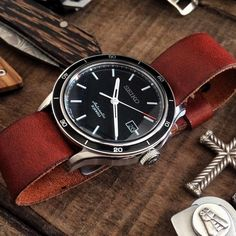 leather nato strap Awesome watch with sapphire crystal and the 6R15 Mvt also found in the more expensive Sumo and Shogun for example very good condition. ➡️