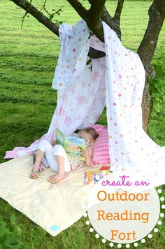 Ideas to encourage summer reading: create an outdoor reading fort Creative Activities, Outside Activities, Summer Activities For Kids, Summer Kids, Learning Activities, Crafts For Kids, Reading Tent, Healthy Kids, Reading Challenge