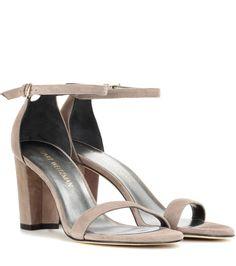 STUART WEITZMAN Nearlynude suede sandals. #stuartweitzman #shoes #sandals