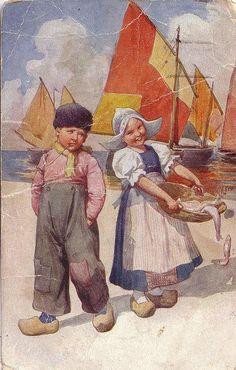 pc volendam vis kinderen 1924 by janwillemsen, via Flickr #NoordHolland #Volendam