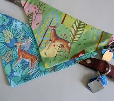 dog bandana collars - peachy has one without a deer- I'm pretty sure I can make these things for her!