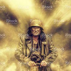 Fou homme utilisant Détonateur photo libre de droits