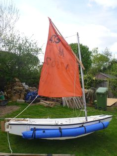 """I have owned this dinghy for over 25 years. As the kids got bigger it started to get crowded when sailing so I made stern and bow extension """"boxes"""" shaped to continue the lines of the original dinghy. 