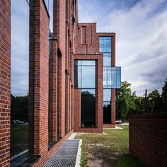 PWSTiTV | Łódź Poland, Skyscraper, Multi Story Building, Mansions, Studio, House Styles, City, Home, Mansion Houses