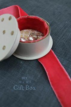 DIY Mini Gift Box