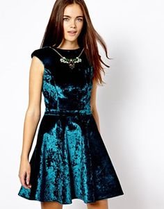 River Island Velvet Dress<3 #Holiday #party Get 7% cash back http://www.stackdealz.com/deals/ASOS-Coupon-Codes-and-Discounts--/