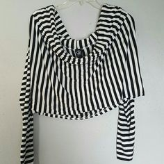 Striped shrug Black and white striped shrug. Fits like a L. Excellent condition. Can be worn off shoulder or boat neck style. Tops Crop Tops