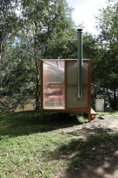 studio rain revives bathing culture with an off-grid sauna installation in melbourne Prefabricated Structures, Building A Sauna, Outdoor Sauna, Sauna Design, Ritual Bath, Tiny House Cabin, Tiny Houses, Construction Process, Western Red Cedar