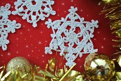 Crochet snowflakes are so easy and fun to make. They are perfect starting point for beginners and you can complete a simple flake faster than any other project. Adorn your frosty stockings or add one