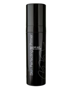 Kräm för allt  Hybrids skin perfecting primer, 490 kronor, Murad  Det bästa mellan två världar. Den här primern är en blandning mellan en klassisk BB cream (Blemish Balm cream) och en primer då den både täcker, jämnar ut, återfuktar och förbereder huden för övriga makeup-produkter.
