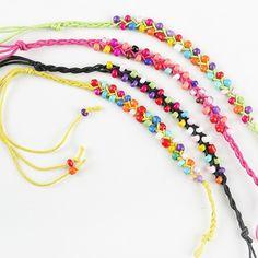 Regalos para las niñas.  Pulsera piedrecitas en colores, se sirven colores surtidos.