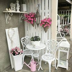Sweet Home fényképe. Balcony Plants, Balcony Garden, Tiny Balcony, Balcony Design, Yard Design, Patio Privacy Screen, Small Space Interior Design, Classic Garden, Outdoor Furniture