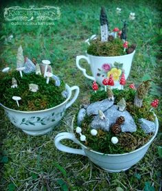 teacup gardens Fairy tea party decorations in tea cups Mini Fairy Garden, Gnome Garden, Dream Garden, Garden Art, Fairy Gardens, Miniature Gardens, Garden Design, Pot Jardin, Moss Garden