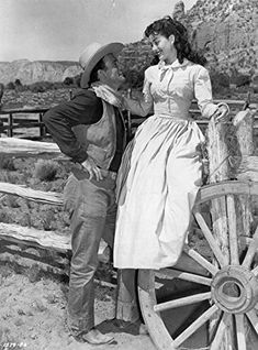 John Wayne and Gail Russell in Angel and the Badman Hollywood Actor, Classic Hollywood, Old Hollywood, Wayne Family, Lee Marvin, John Wayne Movies, Westerns, Actor John, Films