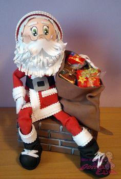 Paso a Paso de Fofucho Papa Noel.   En la entrada de mi blog: http://mispecosasdegomaeva.blogspot.com.es/2014/09/fofucho-papa-noel-paso-paso.html