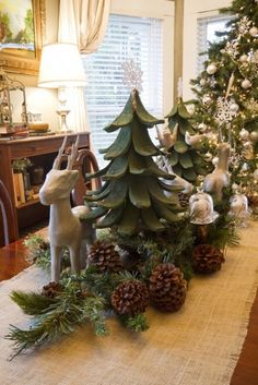 2013 Christmas Table Roundup PART 2 - #christmas #table #decorating