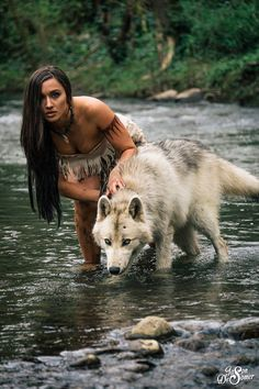 Country Way of Life American Indian Girl, Native American Girls, Native American Pictures, Native American Beauty, American Indians, Pocahontas Cosplay, Disney Cosplay, Wolves And Women, Wolf Love