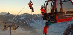 Dank eines selbstfahrenden Seilfahrgeräts können die Insassen einer Gondel in der Regel innerhalb von drei Stunden geborgen werden. ©Immoos #mountaintalk Bergen, Mount Everest, Mountains, Nature, Travel, Abseiling, Safety, Voyage, Viajes