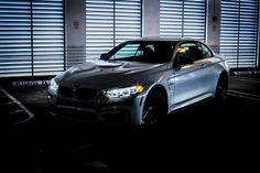BMW M4 425Hp, perfect for the lovers of night shift's adrenaline/ pic @george_varela