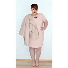 6 Plus-Size Instagrammers For Total Outfit Inspiration #refinery29  http://www.refinery29.com/plus-size-instagram-outfit-inspiration#slide2