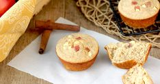 Hungry Girl's Healthy Apple Cinnamon Blender Muffins Recipe with real milk and real sugar (half brown). Makes 95 cal ea Healthy Blender Recipes, Ww Recipes, Low Calorie Recipes, Muffin Recipes, Apple Recipes, Breakfast Recipes, Ninja Recipes, Jelly Recipes, Skinny Recipes