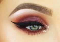 """Jaclyn Hill  MUG Peach smoothie, Chickadee, Cocoa bear, MAC Heritage Rouge pigment, MAC Copper pigment, winged eyeliner, Velour Lashes """"Girl you crazy"""" Cocoa Bear & Bitten underneath, Glitter liner by Urban Decay."""