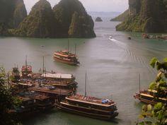 Halong bay, Vietnam  http://invernointerior.blogspot.no/search/label/Vietnam