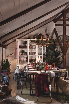 8 steps to a stunning festive table | Homes and Antiques