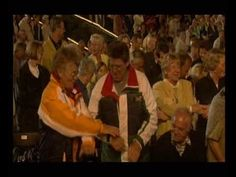 (Auld Lang Syne at vid time 4:39) Andre Rieu - Amazing Grace, Auld Lang Syne