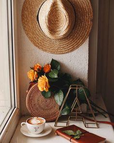 დილა მშვიდობისა 💫💫☀️🌼🌼 . . . . . . . .#. #goodmorning #goodday #love #beautiful #nature #art #flowers #flow #coff #coffee Handy Iphone, Phone Screen Wallpaper, Coffee Photography, Photography Ideas, Coffee Is Life, Coffee And Books, Latte Art, Coffee Cafe, Autumn Home