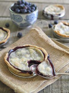 Mason jar lid blueberry pies