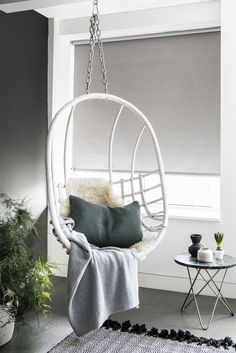 Een verduisterend rolgordijn voor een optimale nachtrust of een snel middagdutje in deze stoere hangstoel!