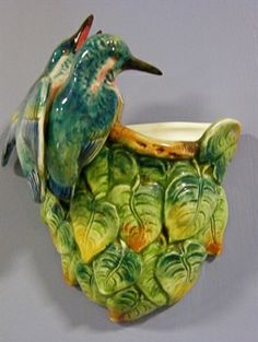 Majolica Birds and Leaves Wall Pocket click the image or link for more info. Vintage Planters, Vintage Vases, Vintage Pottery, Vintage Ceramic, Mccoy Pottery, Ceramic Pottery, Pottery Art, Pottery Ideas, Expensive Art