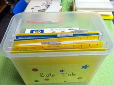 Sub Tub or Sub Plans in an expandable folder.  Perfect when you will be absent for 2-3 days in a row. Sub Plan, Sub Binder and Emergency Sub Plans - Teach Junkie