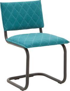 Eetkamerstoel Cameron is een minimalistische stoel met een prima comfort. In de kleur vintage cotton turqoise blue met bijpassend zwart gepoedercaot sledeframe, is eetkamerstoel Cameron een opvallende verschijning in elke eetkamer. Let op de stiknaden op de zitting en in de rug. Deze maken dit model extra aantrekkelijk en uniek.