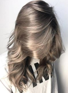 10 Balayage Ombre lange Frisuren von subtil bis atemberaubend - # Check more at. 10 Balayage Ombre lange Frisuren von subtil bis atemberaubend - # Check more at Hair Color Dark, Cool Hair Color, Dark Hair, Ash Color, Hair Colour, Level 7 Hair Color, Grey Hair Colors, Hair Goals Color, Color Tag