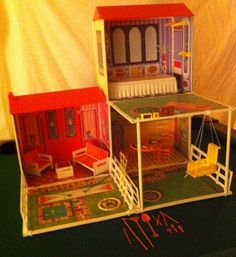 This is one of those really neat things in the world. Check out the detail. It's pretty amazing. : RARE Vtg 1970s Barbie Doll Surprise House Mattel Dream House w EXTRAS | eBay