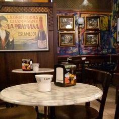 Café con solera. La Praviana en Pravia. #Asturias