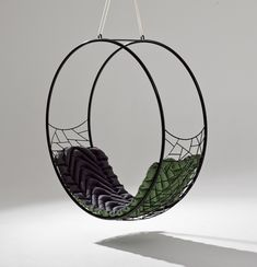 Round with cushion modern hammock hanging designer swing chair daybed lounge hotel contract furniture luxury black 2 Hanging Furniture, Iron Furniture, Steel Furniture, Classic Furniture, Unique Furniture, Furniture Design, Furniture Buyers, 60s Furniture, Futuristic Furniture