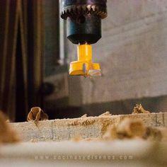La vida nos da a cada uno las herramientas para que vayamos por el mundo 🔨🧰 . Visítanos en www.cocinasydisenos.com . . . . #cocinasydiseñosjc #diseñodebaños #mueblesdebaño #muebles #diseñodeinteriores #tendecias2020 #cocinas #puertas #closets #diseñodeclosets #ventanas #carpinteria #fabricaciondemuebles #mueblesdemadera #fabricacion #taller #tallerdecarpinteria #taladrovertical #canteadora #encuadradora Painting, World, Wood Furniture, Windows, Tools, Atelier, Doors, Interior Design, Kitchens