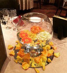 ガラスボールを使った結婚式ゲストテーブル装花7選 | marry[マリー]