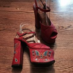 Amazing Vintage 70s Rock & Roll Glam Painted Butterflies Platform Shoes