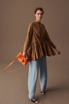 Delpozo Fall 2019 Ready-to-Wear Fashion Show Delpozo Fall 2019 Ready-to-Wear Collection – Vogue Latest Fashion For Women, Latest Fashion Trends, Womens Fashion, Edgy Dress, Look Street Style, Fall Outfits, Fashion Outfits, Fashion Boots, Style Casual